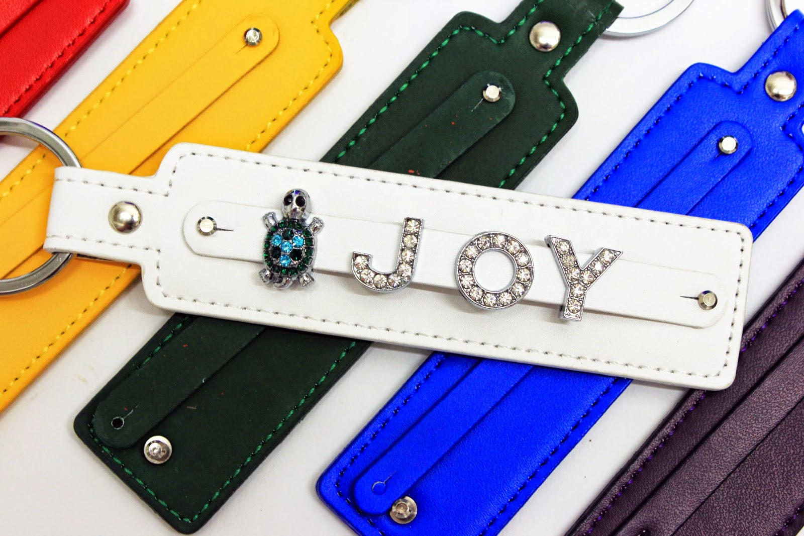 Embellish these leather key chains with Jewels