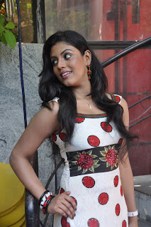 Iniya At Mouna Guru Press Meet %281%29.jpg