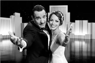 Sesuatu yang masuk akal kalau kita menyebut Michel Hazanavicius sebagai sutradara sinting REVIEW : THE ARTIST