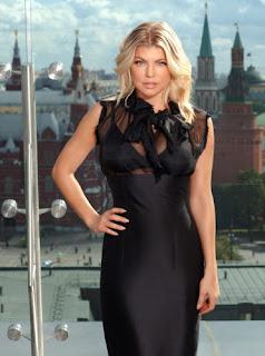 Fergie Flaunts Underwear Outerwear, Fergie Flaunts Underwear Pics