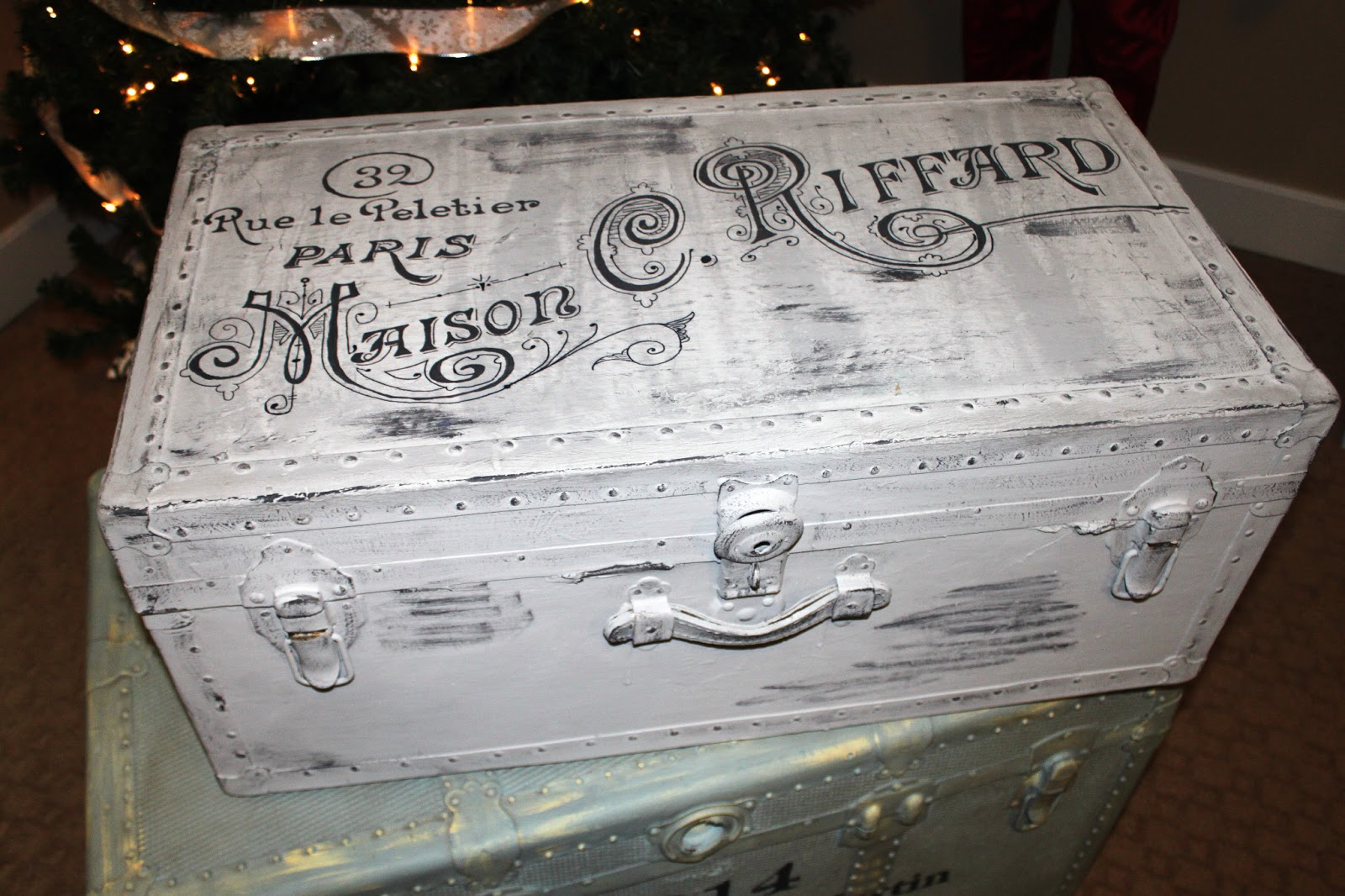 Ava blake creations trunk drunk - How to paint an old trunk ...