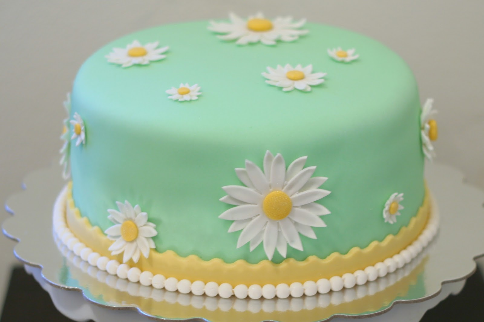 Stuff By Stace Daisy Cake