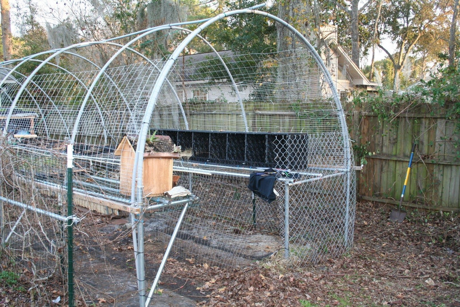 Kevin Songer: Living Architecture, Urban Hen Coop - Low Cost, Simple ...