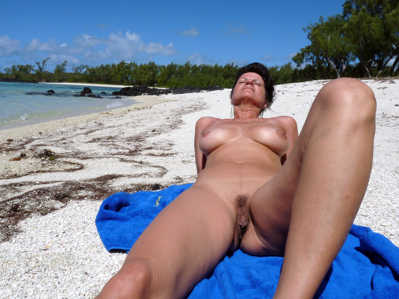 teufelchen erotik chris nudist