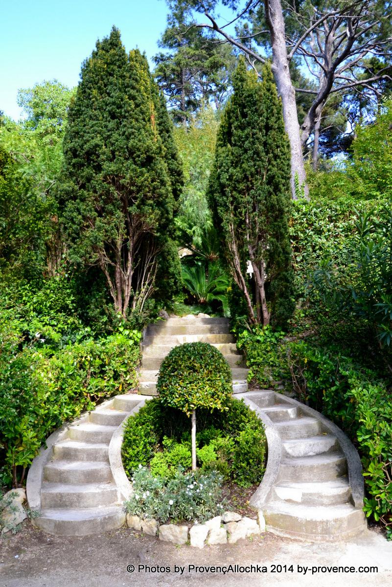 escalier,villa Rotshilde