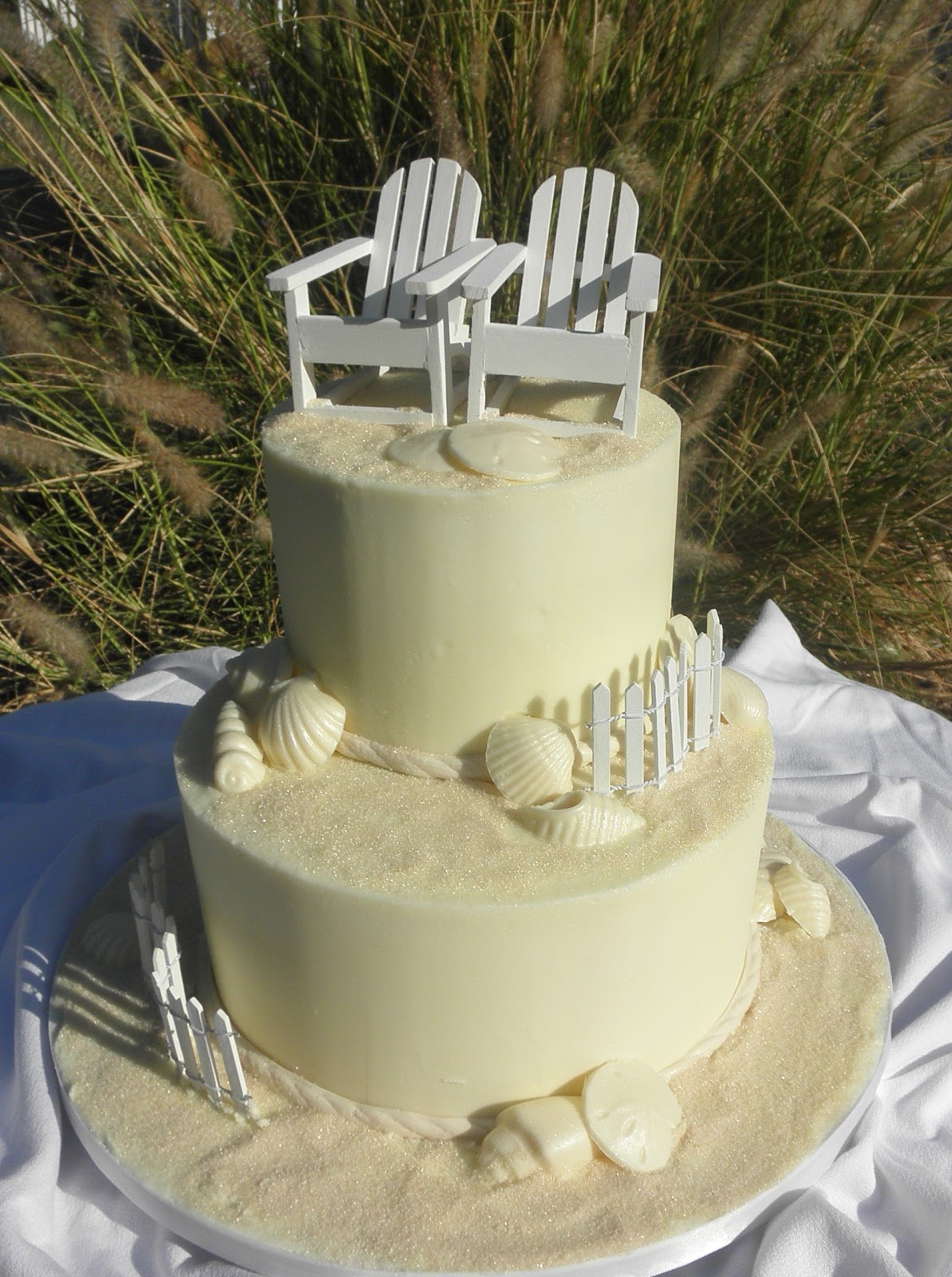sweet t 39 s cake design beach 2 tier wedding cake. Black Bedroom Furniture Sets. Home Design Ideas