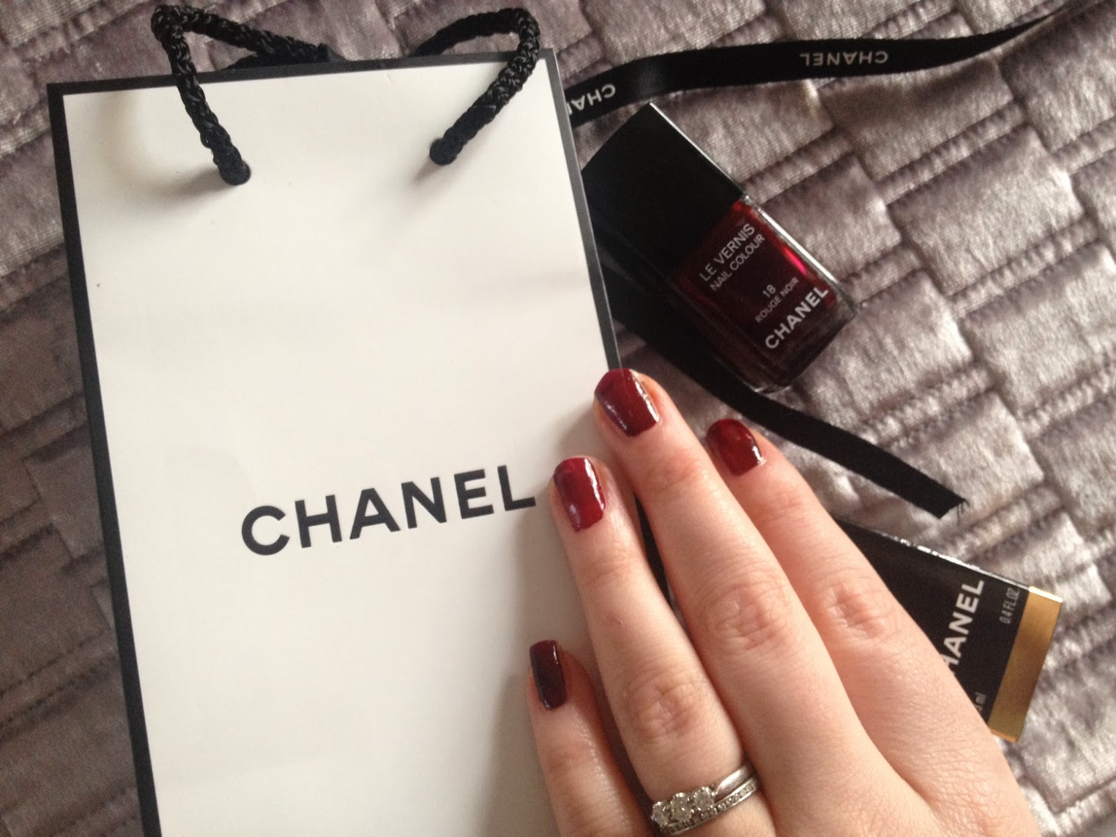 Chanel Le Vernis Nail Colour Rouge Noir