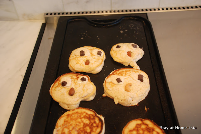 owl faces on pancakes