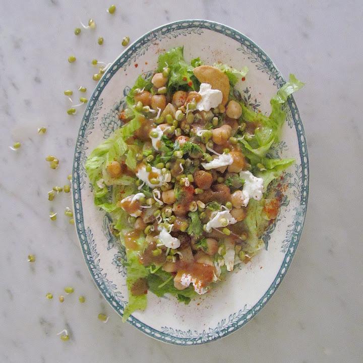 Papri Chaat or Indian nachos med Divya Jagasia