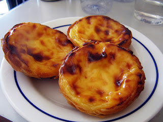 http://helengraves.co.uk/2009/11/cafe-pasteis-de-belem-lisbon/