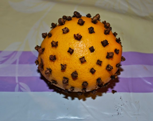 klinčeky v pomaranči