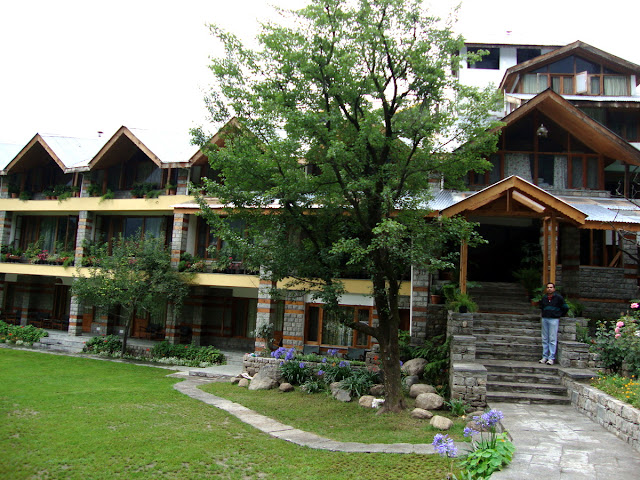 Johnson Hotel Manali