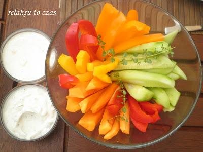 kolorowa przekąska z warzyw do grilla