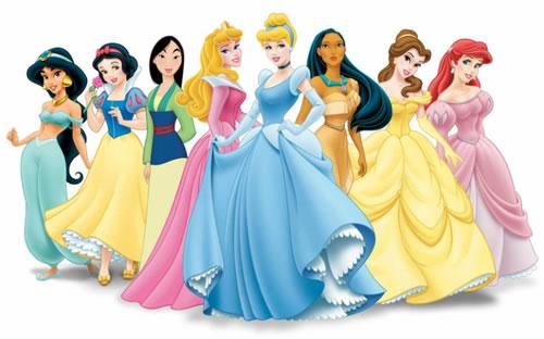 O sonho de toda mulher quando criança foi usar os vestidos das princesas, que são lindos.