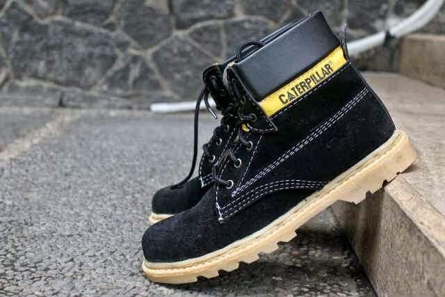 Kami Jual Sepatu Caterpillar KW Dengan Harga Murah Dan Tentunya Kwalitas Terbaik Grosir Bisa Hubungi Di 085853853612 BBM