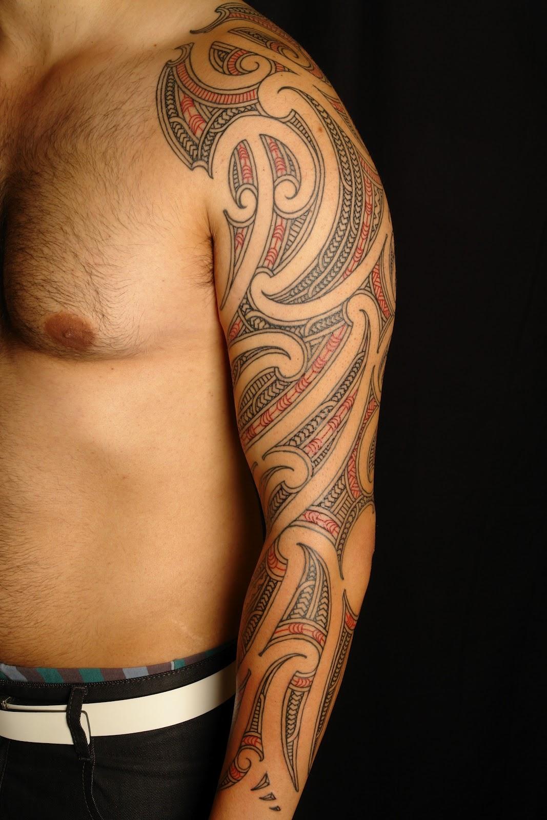 tatouage cheville chapelet - Photo Tatouage de Nicole Richie sa cheville est entourée