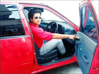 Maruti-800-Sachin-Driving