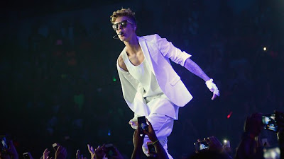 Justin Bieber Banned From Skydiving Facility