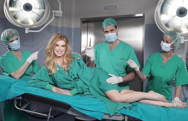 Una mujer bate el récord de cirugías estéticas al operarse 52 veces