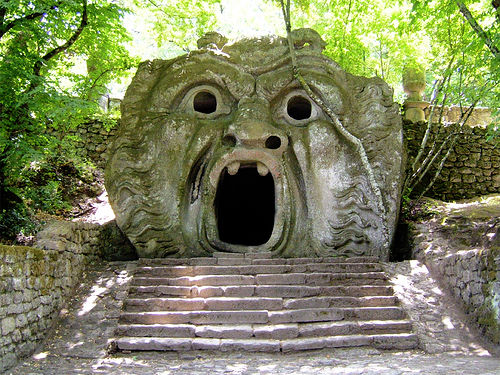 Alexander waterworth interiors park of the monsters for Jardines de bomarzo