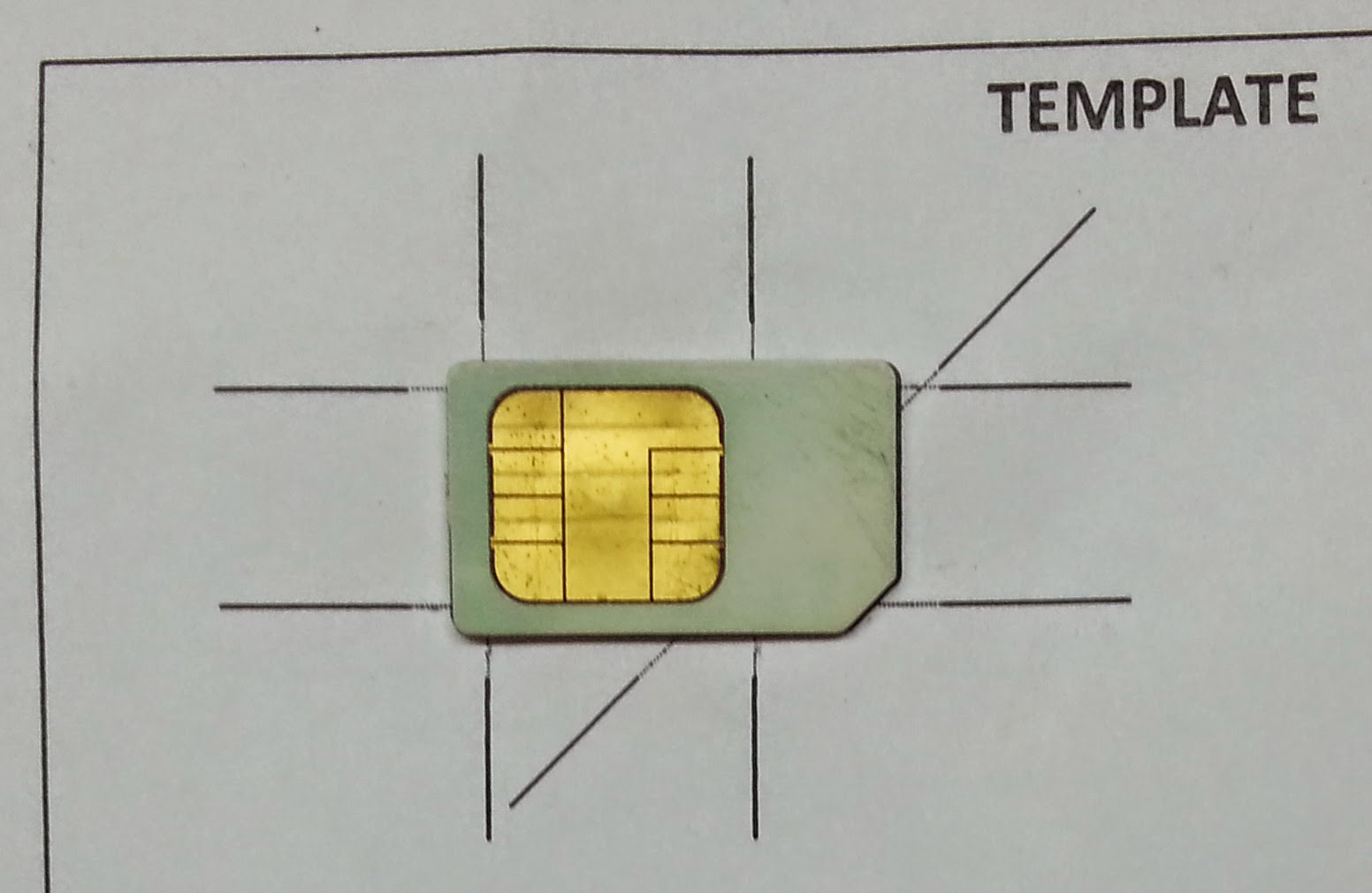 Cut Your SIM Card To MicroSIM Yourself