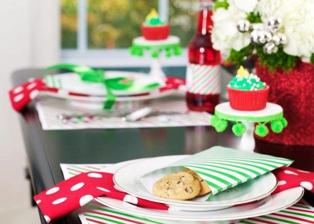 http://celebrationsathomeblog.com/2011/11/classic-christmas-with-a-modern-twist.html