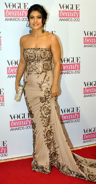 Kajol in Ayesha Depala at vogue beauty awards 2012 www.footnotesandfinds.com