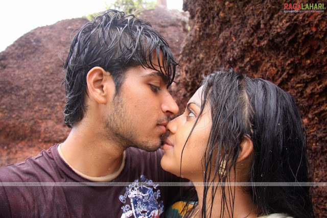 amala paul aka anakha hot kissing scene