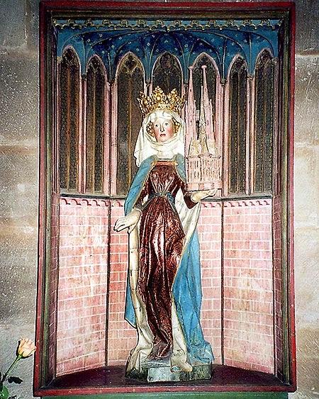 """Die Statue der """"französischen"""" Elisabeth in der gotischen Hallenkirche in Marburg. (Foto: Michael Winkler)"""