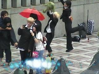 cosplayers on Jingu-bashi