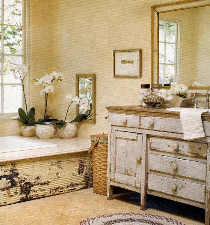 11 formidable bathroom decorating ideas for Vintage bathroom photos