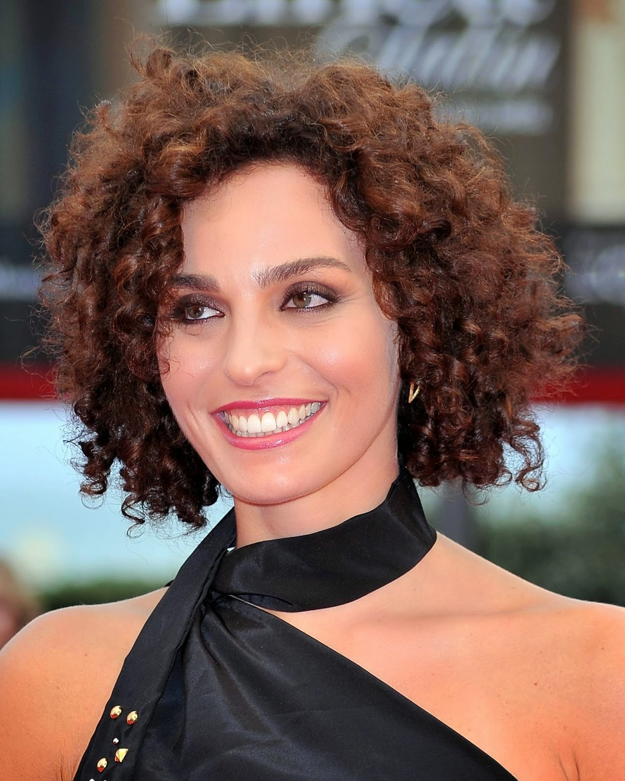 short hairstyles for curly hair Hairstyle