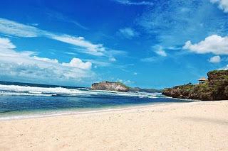 Besok Hari Setelah Cobloson Enaknya liburan ke Pantai Aja