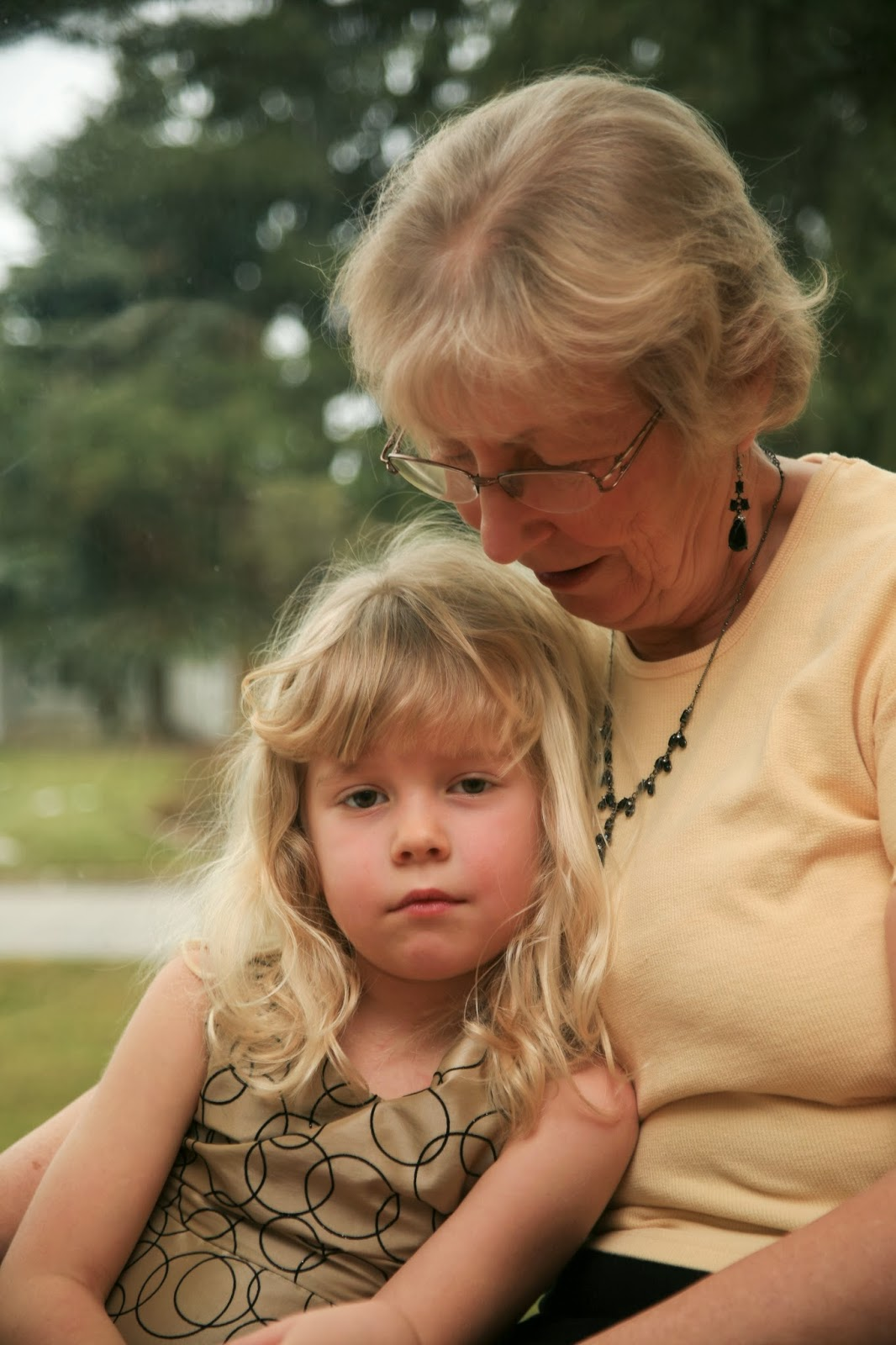 grandparents raising grandchildren Nationwide, 27 million grandparents are raising grandchildren, and about one-fifth of those have incomes that fall below the poverty line, according to census figures.