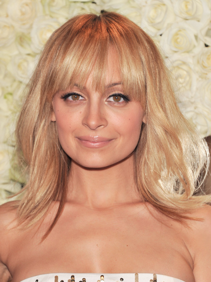 Shoulder Length Hairstyles For A Round Face Shape : Hairstyles with bangs african american medium length