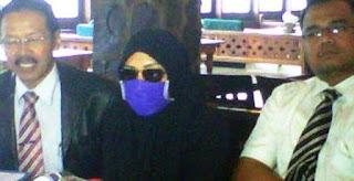 """Wanita Inisial """"R"""" Pelapor Raffi Ahmad ke BNN"""