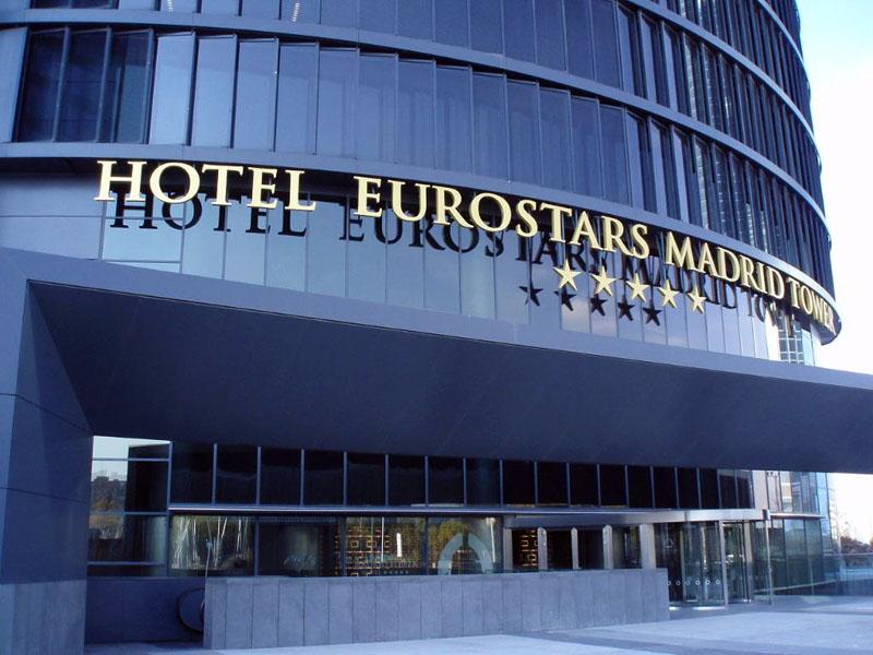 Hotelissimo un paseo por las nubes hotel eurostars for Listado hoteles 5 estrellas madrid