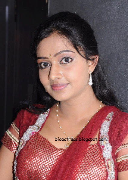 Sthreedhanam Serial Actress Divya Viswanath hot and sexy rare photos