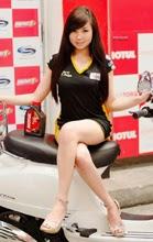Sexy Photo of Cyen on a Motor Show