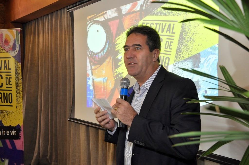 Pres. do sistema Fecomércio, Luiz Gastão, destaca a preocupação do Sesc em promover eventos culturais com cunho educacional