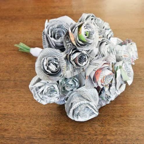 bunga koran bekas lampion koran bekas sandal koran bekas bunga