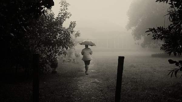 Tips Bepergian saat Musim Hujan
