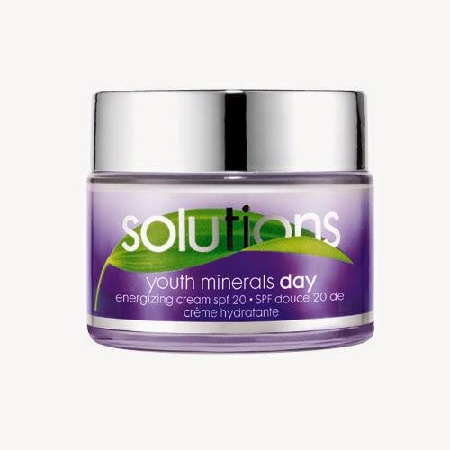 Crema da giorno Youth Minerals di Avon Solutions