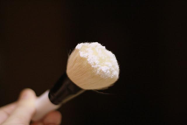 How to Make Natural Deodorant Powder