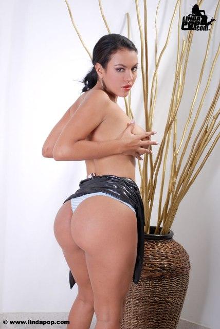 Lina Elizalde Vestido Y Tanga Reviewed By Denna Dzant On Rating