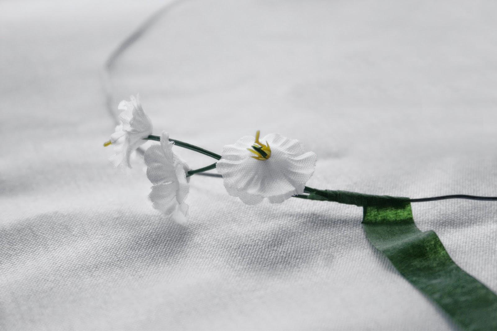 Flores y floratape - Diy corona de flores articiaales1