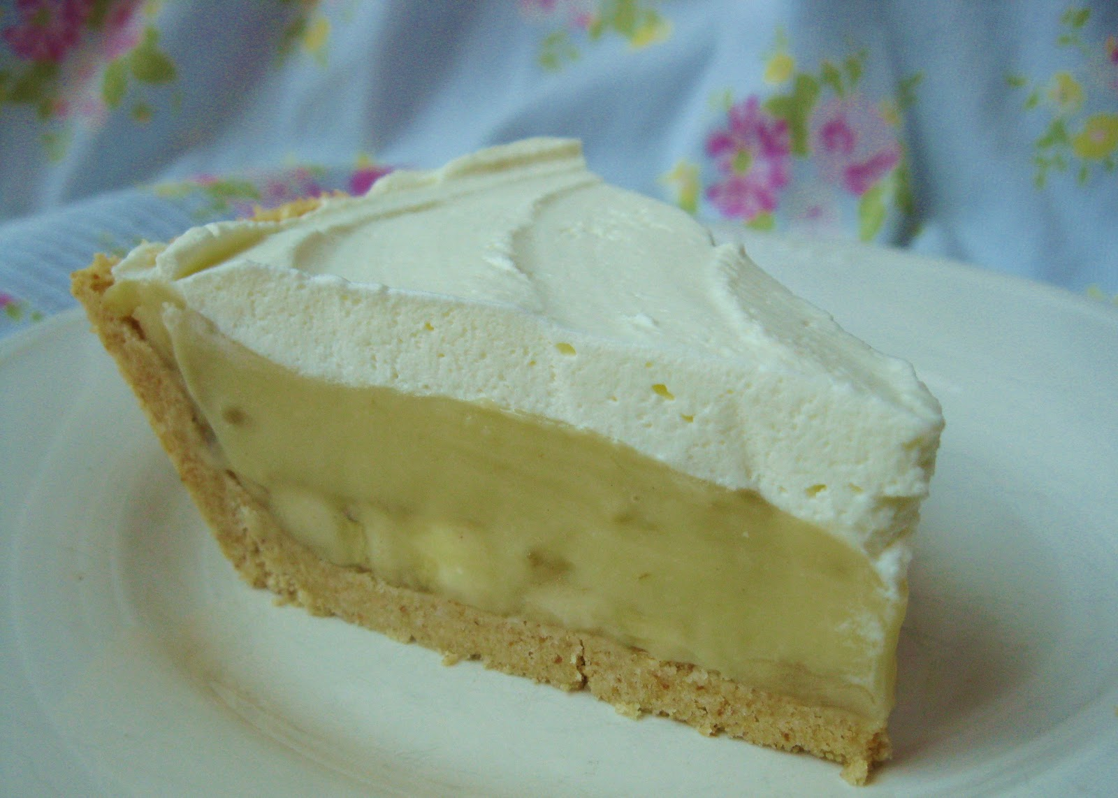 Baking Outside the Box: Banana Cream Pie