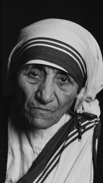 mother theresa has dedicated her life in helping the poor Mother teresa dedicated her life to the poor and was declared a saint in 2016 mr kujur said: we had been receiving many complaints regarding the functioning of this home and were keeping a close.