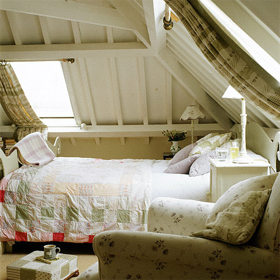 Loft conversion bedroom cozy white modern traditional for Eaves bedroom ideas