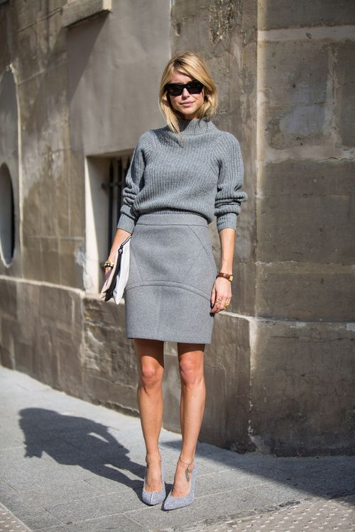 street style: pretty grey mini skirt with sweater